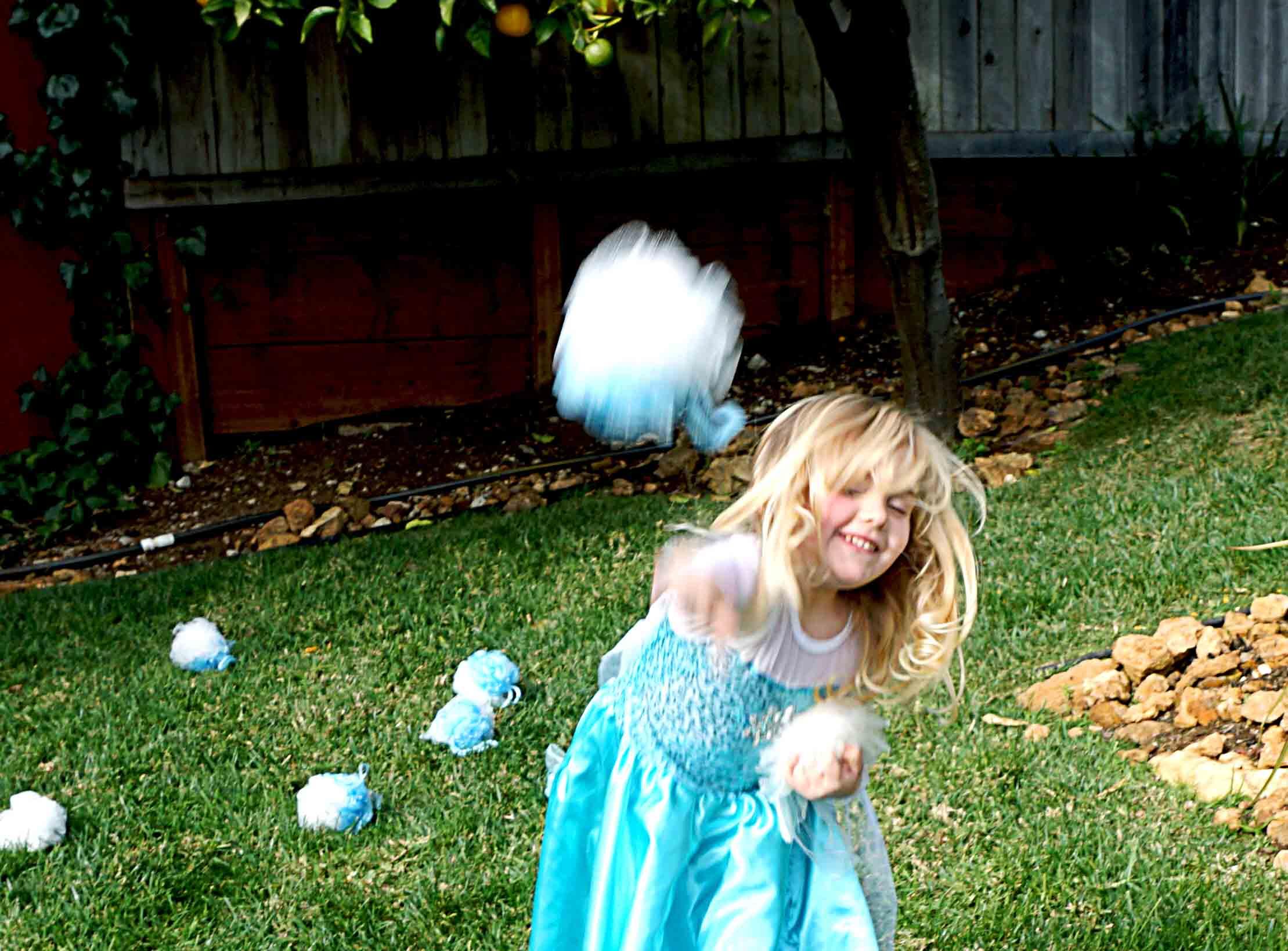 California Snowball Fight Left Brain Craft Brain featured