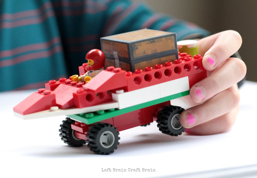 lego-santa-sleigh-car-closeup