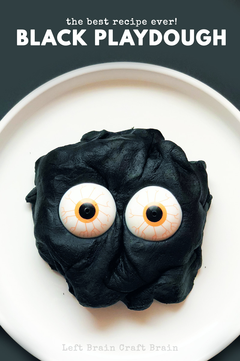 Ever wonder how to make black playdough? It's easy, with the right ingredients, to make soft, squishy, totally black playdough. Perfect for Halloween!