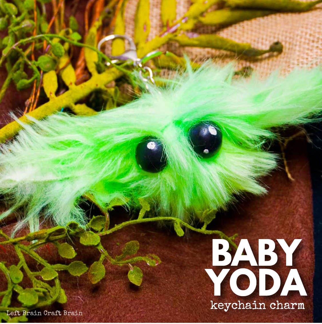 Isn't Baby Yoda from The Mandalorian the cutest thing? Since you can't buy one, make a Baby Yoda Keychain Charm.