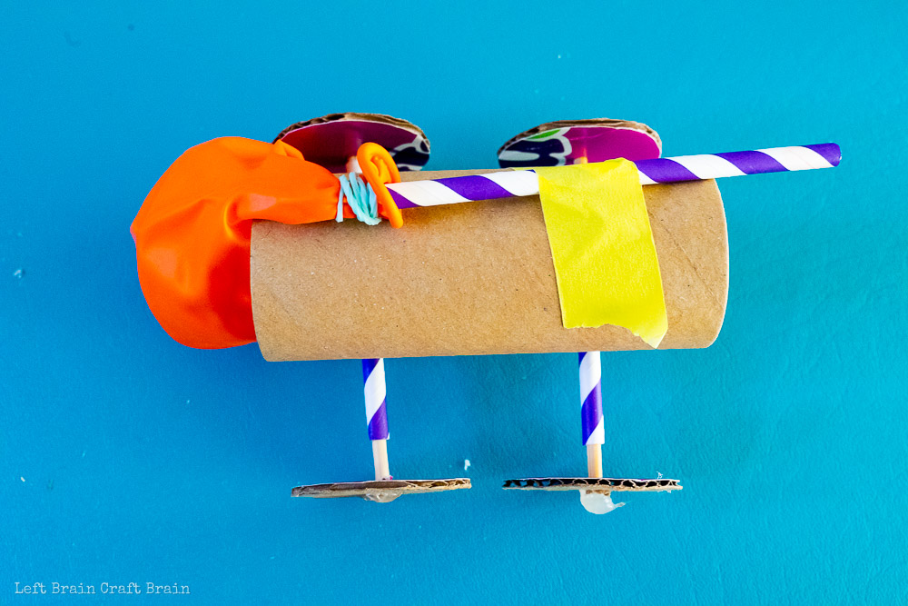 finished toilet paper roll balloon car